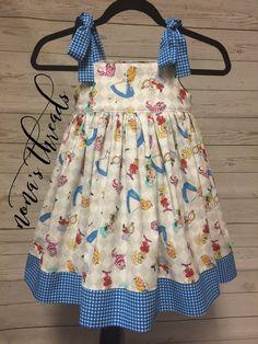 Disney's Alice In Wonderland Dress Girls Frock Design, Baby Dress Design, Kids Frocks Design, Baby Frocks Designs, Toddler Dress, Toddler Outfits, Kids Outfits, Baby Girl Dress Patterns, Little Girl Dresses