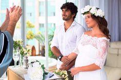 Deborah Secco mostra foto inédita de seu casamento
