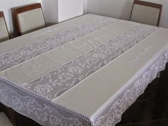 This Pin Was Discovered By Ter - Post - Marecipe Crochet Table Runner, Crochet Tablecloth, Linen Tablecloth, Table Linens, Tablecloths, Crochet Bedspread Pattern, Baby Afghan Crochet, Crochet Designs, Crochet Patterns