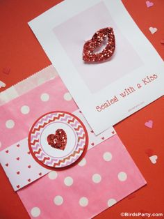 Sealed with a Glittered Kiss: DIY Valentine's Day Hair Accessory #ValentinesDay #Fashion #DIY #Kids #Crafts