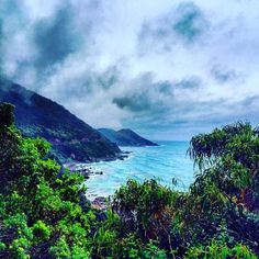 Great ocean road #greatoceanroad #pacific #ocean #clouds #gloomy #days #drive #melbourne #australia #friends #roadtrip #view  by chamith_wije