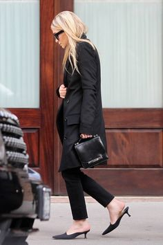 The mini-heeled pump is making a comeback as the daring yet demure shoe style to try. (Pictured: Mary-Kate Olsen) Splash News  - HarpersBAZAAR.com