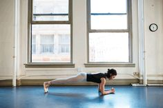 We had American Ballet Theatre dancer, Katie Boren, show us her favorite barre exercises to tone your abs, butt, and legs. Ballerina Moves, Ballet Moves, American Ballet Theatre, Ballet Theater, Ballet Barre Workout, Ballet Workouts, Plank Hip Dips, Forms Of Birth Control, Hips Dips