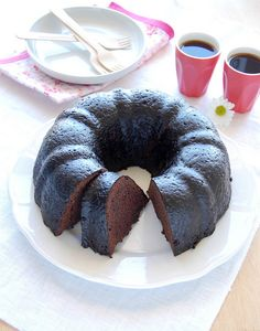 Bolo de chocolate com calda de cacau