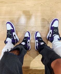 Cute Couples Goals, Couple Goals, Adidas Sneakers, Shoes Sneakers, Hype Shoes, Jordan Outfits, Skater Girls, Jordan 1, Shoe Game