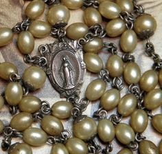 Beautiful Rosary -- This looks very like my great grandmother's rosary, that I inherited on my 11th birthday.