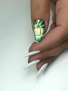 Tropical nails inspired by Chanel Halloween Nail Art, Scary Halloween, Angel Theme, American Nails, Gothic Looks, Nail Technician, Colourful Outfits, Mother Pearl, Nail Tips