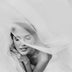 New bridal photography portraits veils ideas Bridal Portrait Poses, Bride Portrait, Romantic Wedding Photos, Funny Wedding Photos, Wedding Pictures, Wedding Ideas, Bridal Photoshoot, Bridal Shoot, Reportage Photo