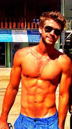 Liam Hemsworth, holy god youre gorgeous