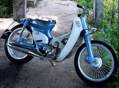 14 Detail Modifikasi Honda Supercub 800 Bergaya StreetCUB Honda Scooters, Honda Motors, Honda Bikes, Motor Scooters, C90 Honda, Honda Cub, Hd Fatboy, Motorcycle Engine, Mini Bike