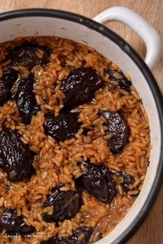 Orez aromat cu prune uscate No Cook Desserts, Sweets Recipes, Healthy Cooking, Cooking Recipes, Vegetarian Recipes, Healthy Recipes, Vegetarian Diets, Work Meals, Good Food