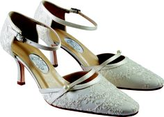 Indian Summer by Dianne Hassall  7.5cm. Sizes 36-39. Ivory lace, hand-crafted.