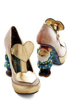 15 heart shoes to give you a heart-on (HAR HAR) on your wedding day | @offbeatbride