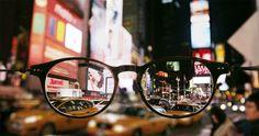 メガネ越しのニューヨークの風景をgifアニメーションで「Seeing New York」