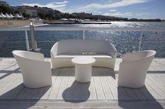 Pine Beach Sofa by Christophe Pillet for Serralunga Outdoor Furniture Sofa, Modern Outdoor Sofas, Outdoor Armchair, Pool Furniture, Space Furniture, Outdoor Chairs, Outdoor Decor, Furniture Design, Outdoor Areas