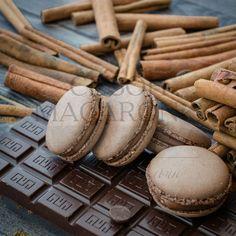 Девять из десяти человек говорят, что любят шоколад. Десятый человек всегда врет. Джон Туллиус
