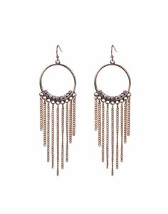 These super pretty tassels chandeliers will look awesome on a simple outfit!