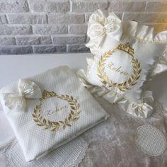 Oval Fomlu&İsim Nakışlı Alt Açma Takımı | Ekru&Gold Napkin Rings, Home Decor, Homemade Home Decor, Decoration Home, Napkin Holders, Interior Decorating