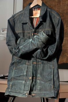 """Edwin Flathead Jacket. """"A modern take on the classic work jacket, Edwin's Flathead Jacket is made with 14 oz unwashed Japanese selvage denim and features rivet reinforced pockets and a flannel lining."""" ⓀⒾⓃⒼⓈⓉⓊⒹⒾⓄⓌⓄⓇⓀⓈ▻"""