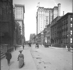 5th Avenue toward 53rd Street, New York City, 1905