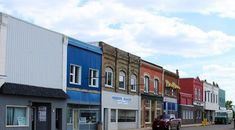 5 outrageously charming towns in Manitoba that you'll want to move to right now The Stone Angel, Most Popular Beers, Lake Winnipeg, Daylily Garden, Old Oak Tree, The Province, Art Of Living, Canada Travel, The Fresh