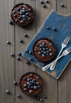 No-Bake Blueberry Truffle Tartlets | love and olive oil
