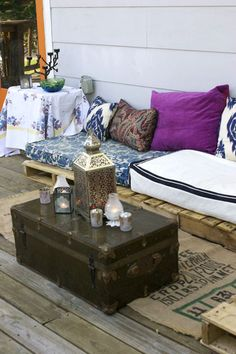 20 Amazing Bohemian Porch Décor Ideas : 20 Amazing Bohemian Porch Décor Ideas With Purple Pillow And White Sofa And Suitcase Table And Woode. Outdoor Seating, Outdoor Spaces, Outdoor Living, Outdoor Decor, Outdoor Pallet, Floor Seating, Outdoor Fabric, Pallet Seating, Porches