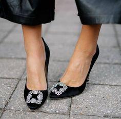 Pilgrimesque #highheels #womenstyle #fashion #trending #cybermonday2018 #blackfriday2018 Manolo Blahnik Hangisi, First Event, Shoe Last, Tory Burch Flats, Fashion Branding, Black Pumps, On Shoes, Black Silver, Slippers