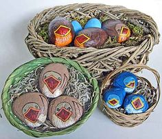 Collection of hungry painted rock birds