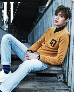 Lee Min Ho is a gorgeous hunk in Paris in B-cuts from his 'W Korea' pictorial Asian Actors, Korean Actors, Dramas, Lee Min Ho Photos, V Bts Cute, W Korea, Park Bo Gum, Cut Photo, New Actors