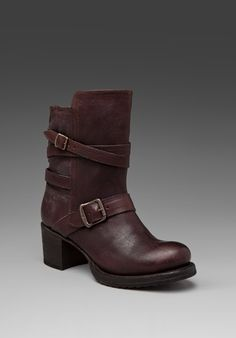 love this style of boot, slight heel, slip-on, mid calf tough girl boots
