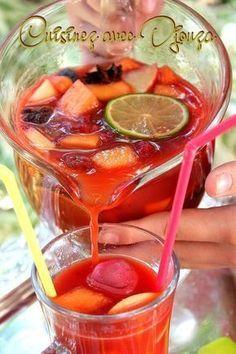 Sangria sans alcool recette aux fruits frais de saison - Expolore the best and the special ideas about Cocktails Cranberry Cocktail, Cocktail Drinks, Cocktail Names, Sangria Recipes, Cocktail Recipes, Smoothies, Virgin Cocktails, Halloween Cocktails, Thanksgiving Cocktails
