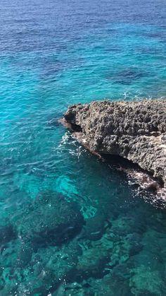 Beautiful Photos Of Nature, Beautiful Places To Travel, Beautiful Beaches, Sea Photography, Aerial Photography, Mykonos, Santorini, Whale Video, Mallorca Beaches