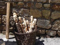 la cesta dei nasi di legno Pinocchio, Ottoman Empire, Texture, Wood, Crafts, Surface Finish, Manualidades, Woodwind Instrument, Timber Wood