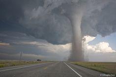 31/5/10 Baca / Campo tornado by unripegreenbanana