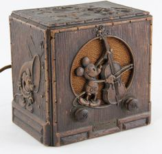 1930 Emerson Mickey Mouse radio