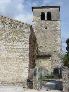 L'église Sainte-Foy a été restaurée puis inaugurée par Jack Lang en juillet 1981. Depuis elle accueille l'été des expositions et des concerts.