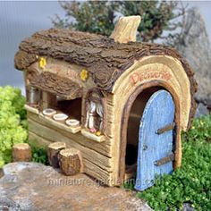 If fairies want a home cooked meal after tromping about in the miniature garden woods, then the Daisy Diner is the place to go. Fairy Garden Furniture, Fairy Garden Houses, Fairy Gardening, Gnome Garden, Colorful Garden, Tropical Garden, Cacti Garden, Vegetable Garden Planner, Fairy Doors