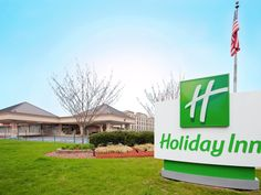 East Windsor (NJ) Holiday Inn East Windsor United States, North America Holiday Inn East Windsor is conveniently located in the popular East Windsor area. The hotel offers guests a range of services and amenities designed to provide comfort and convenience. Free Wi-Fi in all rooms, 24-hour front desk, facilities for disabled guests, room service, restaurant are just some of the facilities on offer. Guestrooms are fitted with all the amenities you need for a good night's sleep....