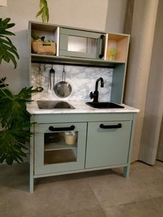 Kitchen Decoration: Color Trends and Ideas 2019 - Home Fashion Trend Diy Outdoor Kitchen, Diy Kitchen, Kitchen Decor, Kitchen Design, Ikea Toy Kitchen Hack, Ikea Kitchen Cabinets, Ikea Duktig, Small American Kitchens, Ikea Toys