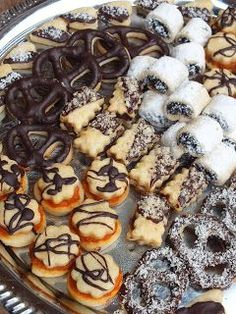 Small Cake, Pavlova, Summer Recipes, Biscuits, Muffins, Bakery, Deserts, Food And Drink, Sweets