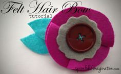 Here is a really simple felt hair bow that you can make quickly and inexpensively!