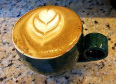 A R O M A  D I  C A F F É   Tradición pasión y una taza del mejor café.  sólo en: #AromaDiCaffé  . #MomentosAroma #SaboresAroma #ExperienciaAroma #Caracas #MejoresMomentos #Amistad #Compartir #Café #CaféVenezolano #Capuccino #LatteArt #Coffee #CoffeePic #CoffeeLovers #CoffeeCake #CoffeeTime #CoffeeBreak #CoffeeAddicts #CoffeeHeart #InstaPic #InstaMoments #InstaCoffee #Navidad #Christmas Visítanos en el C.C. Metrocenter pasaje colonial.