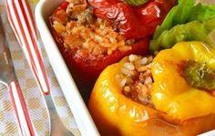 Peperoni ripieni di riso e carne Carne, Sushi, Buffet, Side Dishes, Stuffed Peppers, Dinner, Recipes, Easter, Food