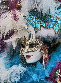 Venetian Mask                                                                                                                                                      Más
