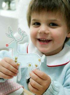 découpage pour Noël: renne et décoration en cloches