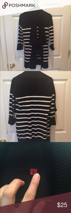 Striped open sweater In excellent used condition. Great to layer with a blouse or just a t-shirt. Black and white . I have no idea what the brand is... Listed under anthropologie for exposure. Anthropologie Sweaters