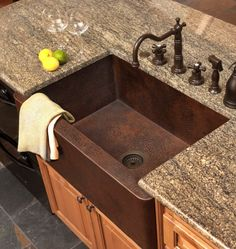 Copper farmhouse sink and faucet