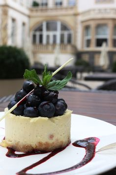 #yummy #cheesecake @ the #VillaGarden how #wonderful ist that! #foody #frantastic #sweetflavour #berries #soulfood