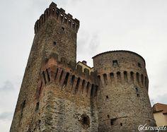 Weekend in Alta Umbria tra borghi e piatti tipici | itinerario in Valtiberina Pisa, Tower, Italia, Rook, Computer Case, Building